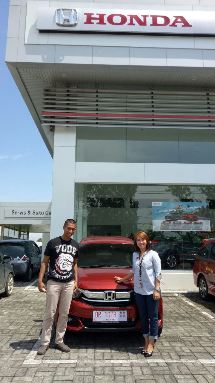 dealer honda mobil mataram info pembelian dan harga. Black Bedroom Furniture Sets. Home Design Ideas